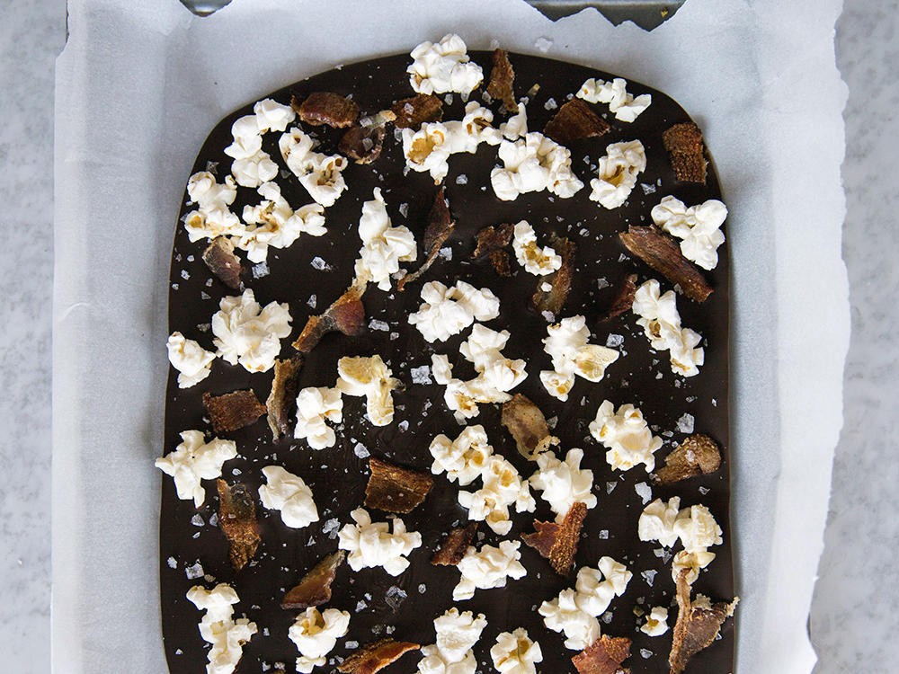 popcorn-bacon-bark-21.jpg
