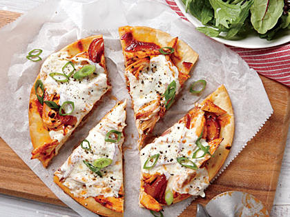 quick-bbq-chicken-pizzas1.jpg