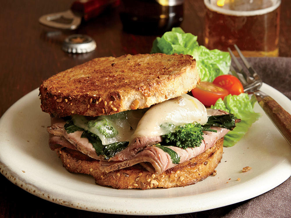 roast-beef-broccoli-rabe-provolone-sandwiches.jpg