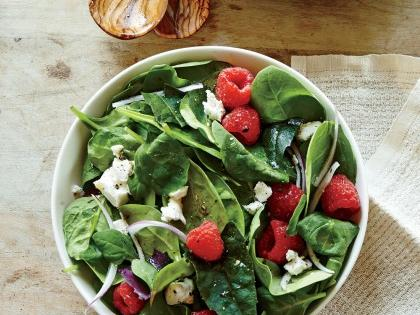 spinach-salad-berries-goat-cheese-crumble-ck-e1432911422957.jpg