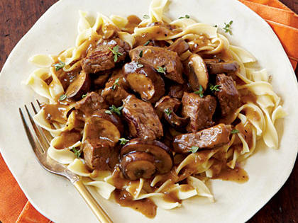 steaktips-peppered-gravy-ck-x.jpg