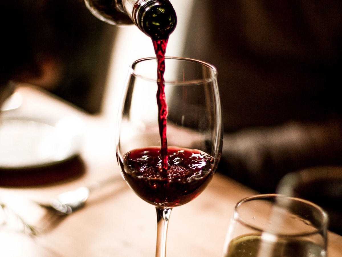 Is Wine Gluten-Free? We Asked a Nutritionist