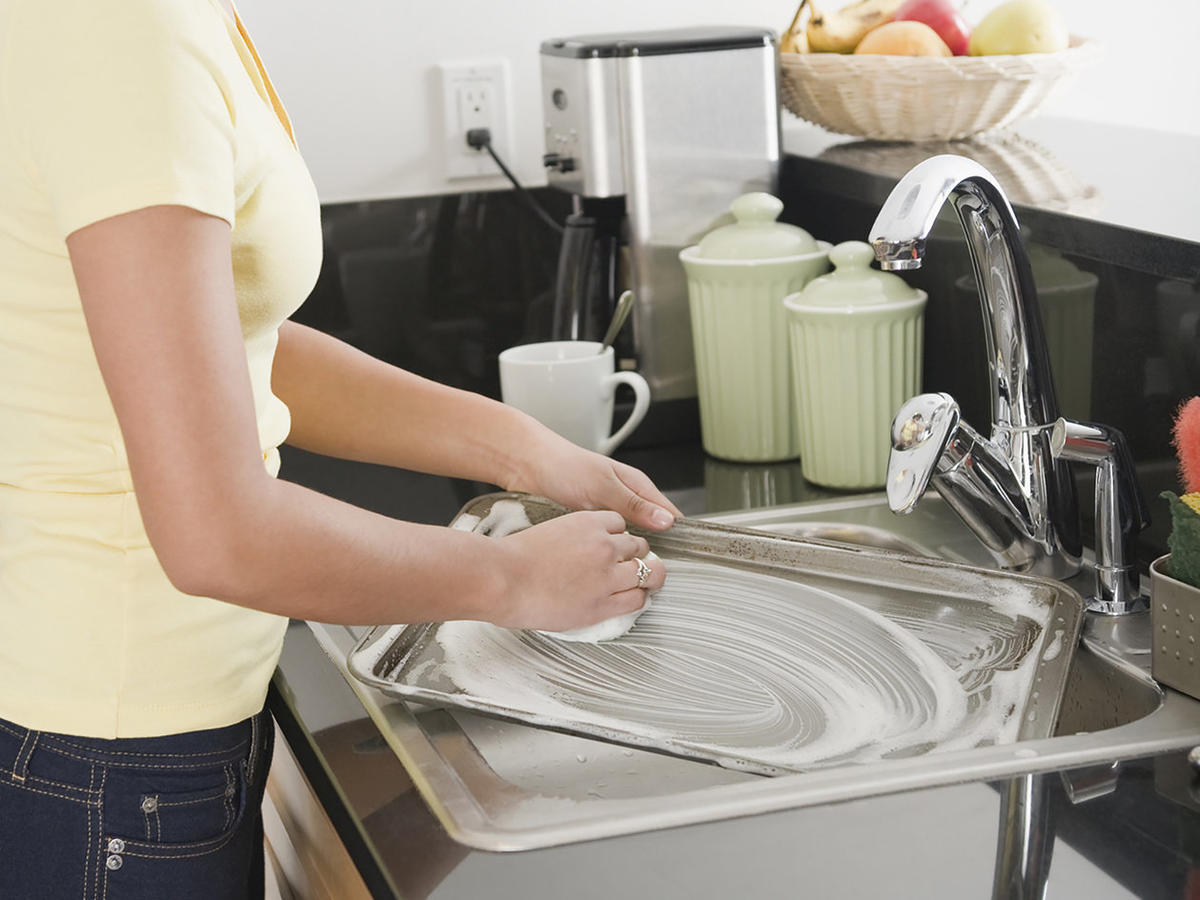 The Sneaky Way I Learned to Love Washing Dishes
