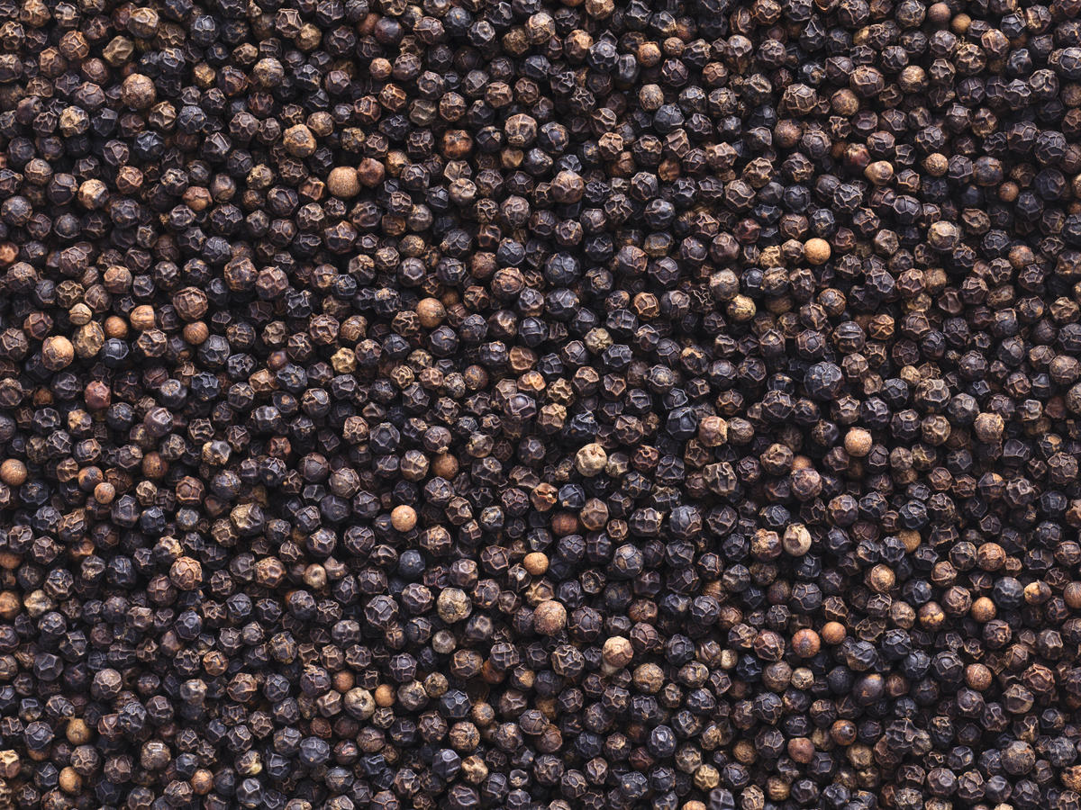 What Are Peppercorns and What Do You Do With Them?