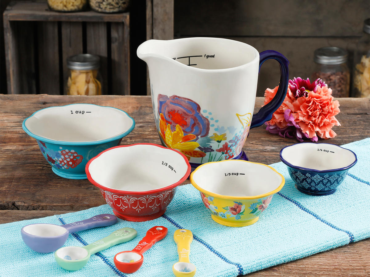 Pioneer Woman's Spring Dinnerware Collection Is Here (And We Want Everything)