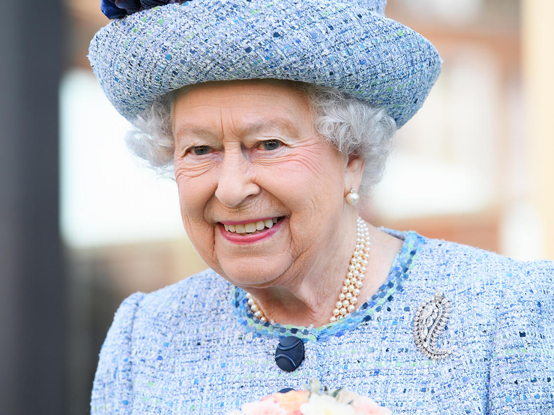 Queen Elizabeth II loves cake