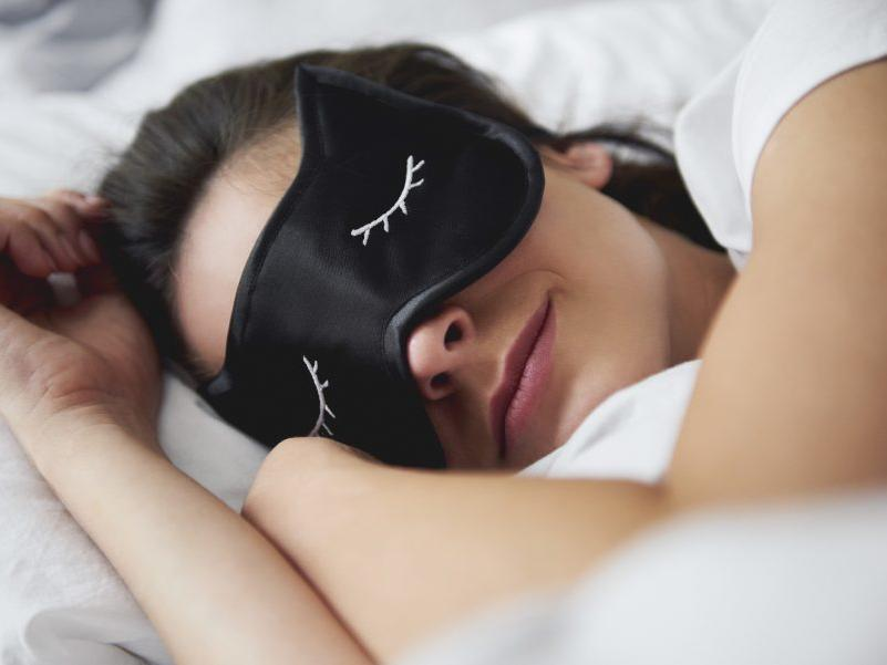 8 Ways to Feel Sleepier in Under 10 Minutes