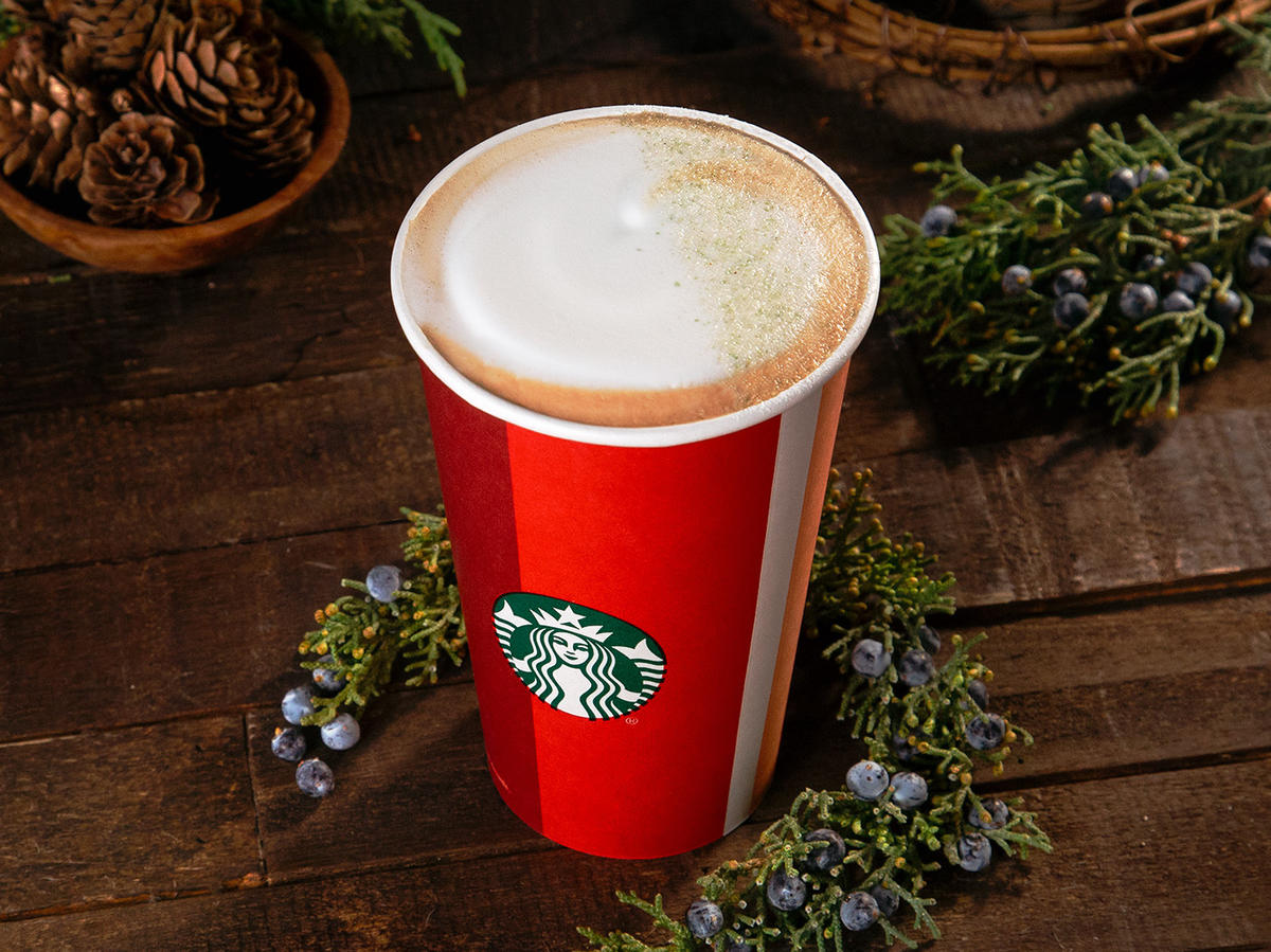 6 Seasonal Starbucks Drinks—And What a Nutritionist Thinks About Each