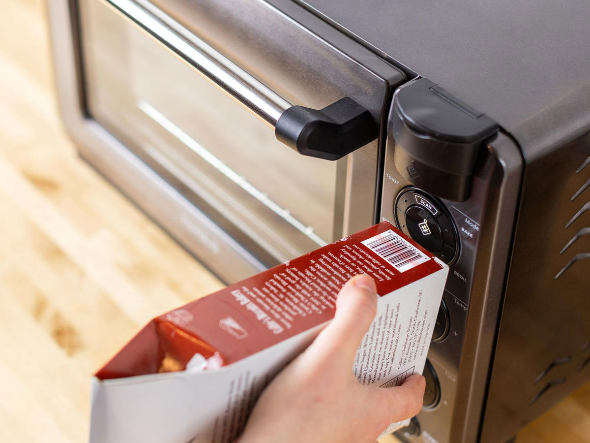 This Smart Oven Knows How Long to Cook Trader Joe's Frozen Meals Just by Scanning the Barcode