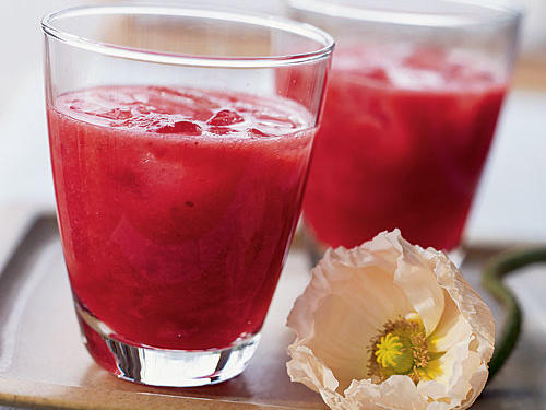 Refreshing, simple, and colorful, this 4-ingredient drink will get the festivities going for any breakfast or brunch.