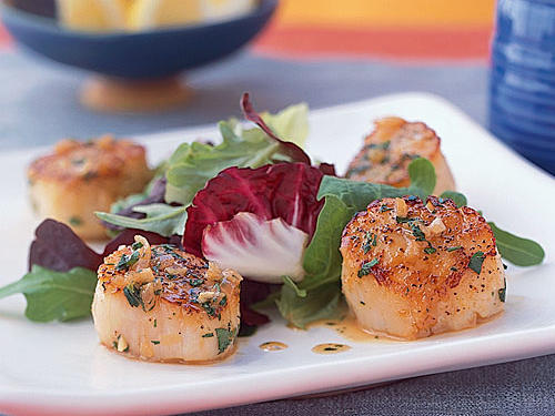 10 quick and easy recipes from your pantry cooking light lemon shallot scallop forumfinder Image collections