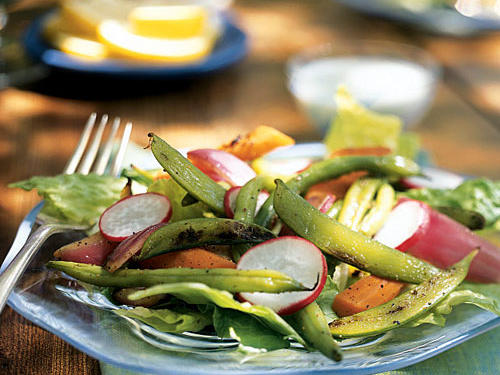 0406 TRV: Grilled Vegetable Salad with Creamy Blue Cheese Dressing