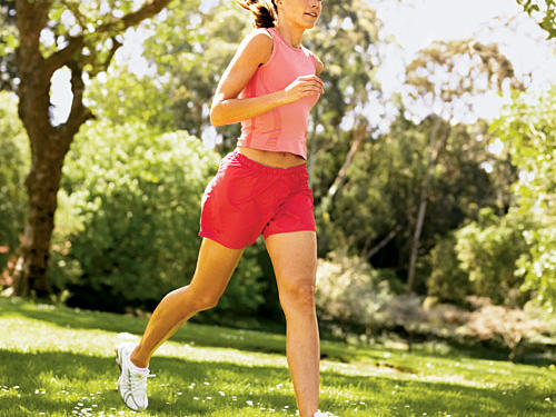 Interval workouts prevent boredom and burn more calories. Try this 20-minute interval routine: 2-minute walk, 1-minute jog, 3-minute walk, 2-minute jog, 5-minute walk, 4-minute run, 3-minute walk—and burn about 200 calories.