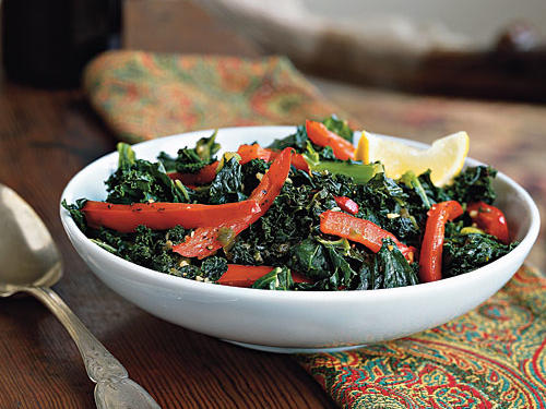 Superfast Holiday Dishes Kale with Garlic and Peppers