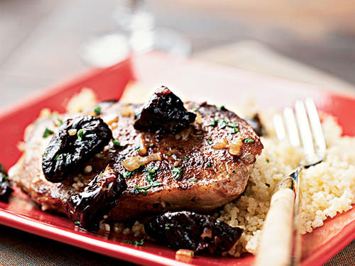 Cinnamon-Spiced Pork and Plums