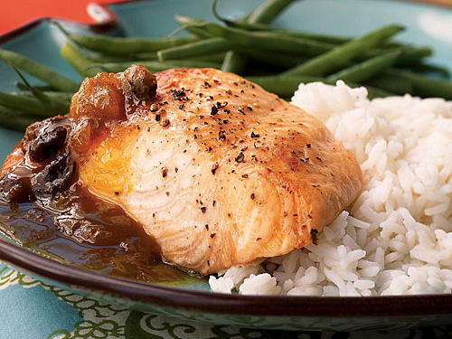 Broiled Salmon Fillets with Curried Chutney Sauce