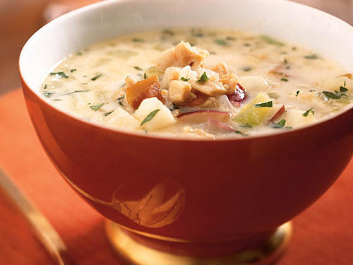 This top-rated chowder is a reader recipe from Patti Marsh of West Newbury, Massachusetts who recommends letting the chowder sit overnight, or at least for a couple of hours, before serving to allow the flavors to meld. Patti's key ingredients, a splash of sherry and fresh thyme, help bring out the flavors and add delicate, herbal top notes to every bowl.