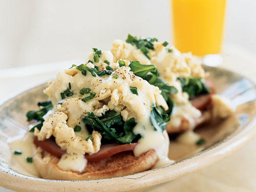 Breakfast for Dinner: Eggs Benedict Florentine with Creamy Butter Sauce Recipe