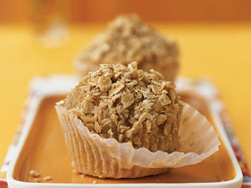 Healthy Muffin Recipes: Banana Nut Muffins with Oatmeal Streusel