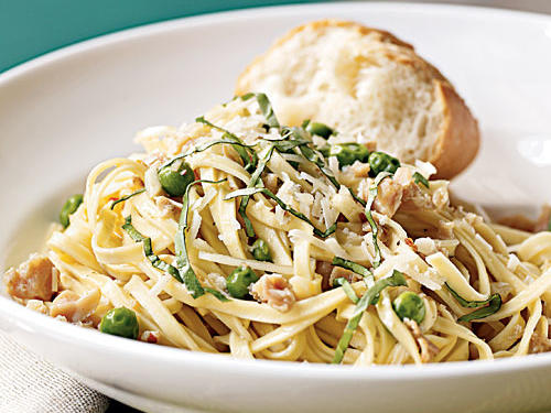 When pairing clams with pasta, Italians almost always choose linguine―it must be something about the pleasing contrast between the long, flat noodles, and the round, fat morsels of shellfish. You'll be amazed at the difference in taste and texture between dried and fresh pasta, which you can find in the refrigerated section of most supermarkets, so definitely give it a whirl here. A chunk of nice crusty bread really makes the meal.