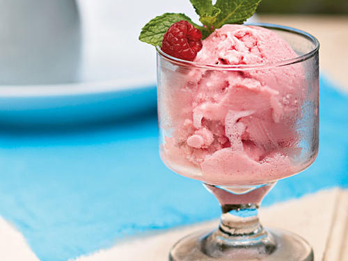 Raspberry Frozen Yogurt