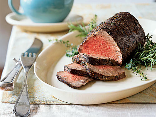 Thyme and Spice-Rubbed Roast Beef Tenderloin Au Jus