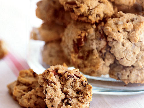 Oatmeal, Chocolate Chip, and Pecan Cookies Recipes