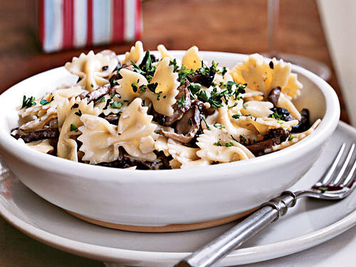 100 Pasta Recipes: Farfalle with Creamy Wild Mushroom Sauce