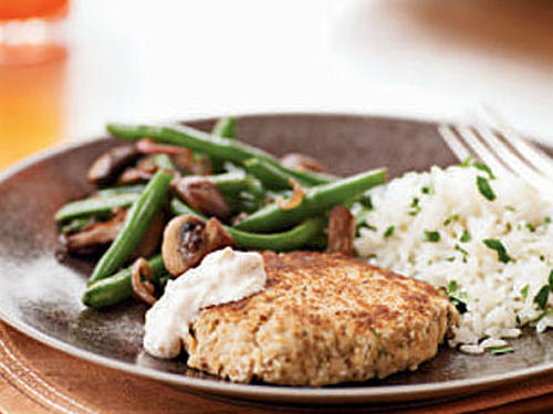 Lemon-Dill Salmon Croquettes with Horseradish Sauce