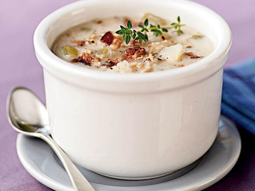 This clam chowder recipe is easy and tastes even better the next day. Want to talk about health benefits? The protein in the milk benefits hair and skin, and the vitamin B12 from the clams and B6 from the potatoes nourish hair. Garnish with additional fresh thyme.