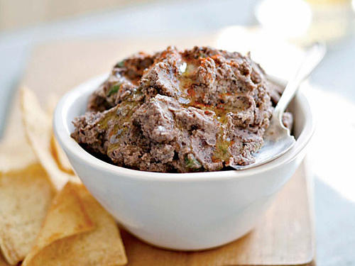 Quick and Healthy Spicy Black Bean Hummus Recipe