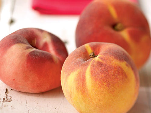 A Quick Trick for Peeling Peaches