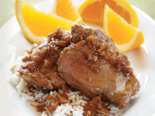 Serve this tangy Philippine dish with two large navel oranges cut into wedges.