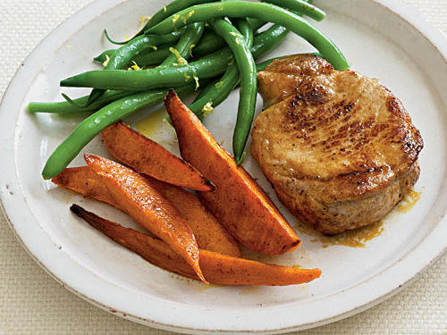 Healthy Dinner Recipe: Spice-Rubbed Pork Chops