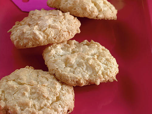 Healthy Coconut-Almond Macaroons Cookies Recipe