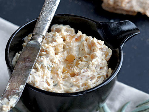 Warm Caramelized Onion Dip Recipe