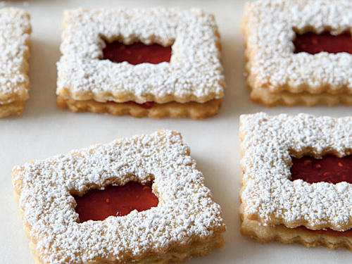 1008 Raspberry Linzer Cookies