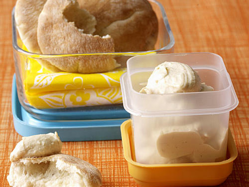 Healthy Snacks: Pitas with Hummus