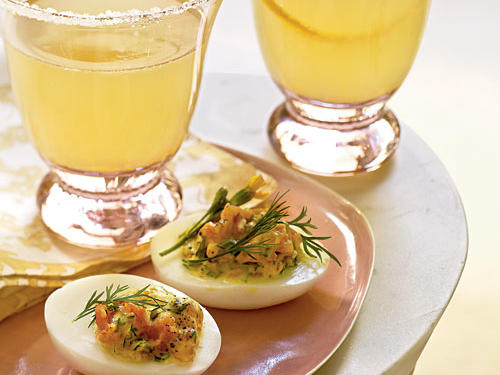 Under 100 Calorie Appetizer: Deviled Eggs with Smoked Salmon