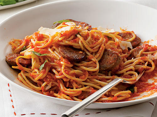 100 Pasta Recipes: Spaghetti with Sausage and Simple Tomato Sauce