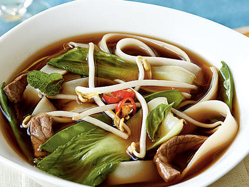 Healthy Dinner Recipes: Vietnamese Beef-Noodle Soup with Asian Greens
