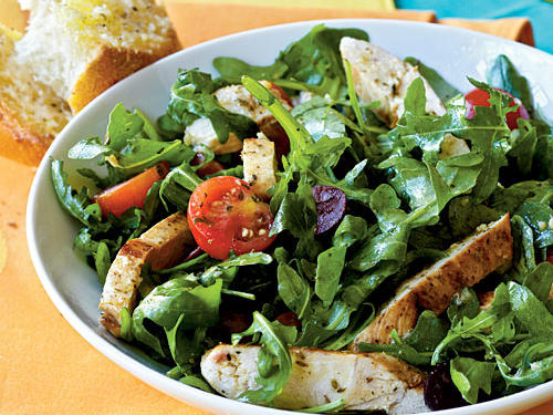 Healthy Dinner Recipes: Herbed Arugula-Tomato Salad with Chicken