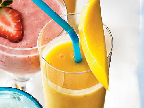 You're only 2 minutes and 5 ingredients away from enjoying this fruit-packed, energy-boosting smoothie.