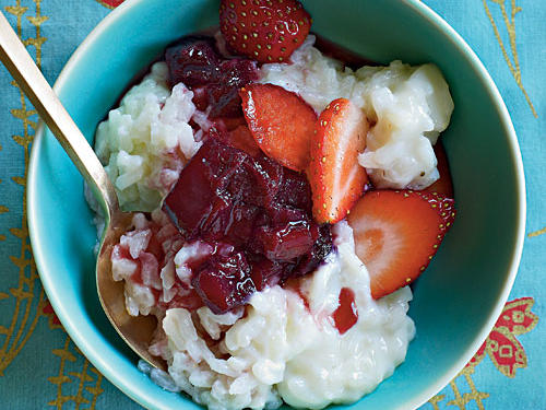 Healthy Ruby Port and Rhubarb Risotto with Sugared Strawberries Recipe