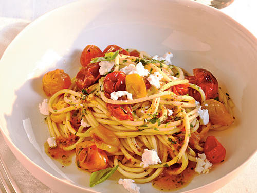 Quick-Roasted Cherry Tomato Sauce with Spaghetti