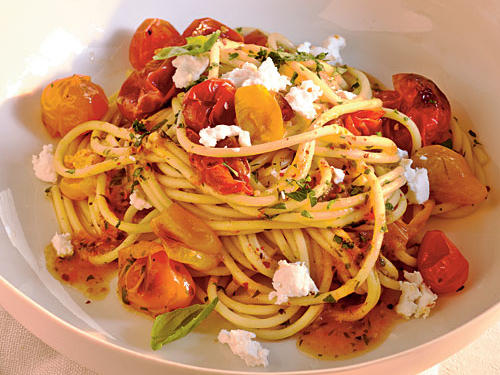 100 Pasta Recipes: Quick-Roasted Cherry Tomato Sauce with Spaghetti