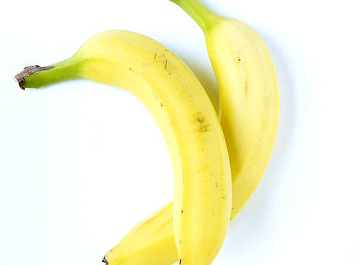 A banana is a quick and easy snack to munch on before bed that will help you get some extra shut-eye. Bananas are packed with two powerhouse nutrients: potassium and magnesium. In addition to many other health benefits, these nutrients help relax your muscles, resulting in a restful night. Bananas are also high in carbohydrates, which have been shown to make you sleepy by making tryptophan more readily available to the brain. Pair your banana with a spread of almond butter to add a creamy, flavorful, protein-rich component to your late-night snack.