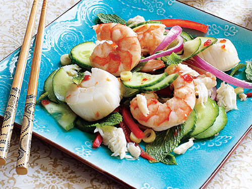 Fresh seafood taste great with citrusy herbs, like the lemongrass, in this recipe. Try serving this as an appetizer to an Asian entrée.