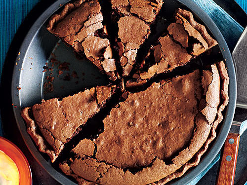 It may not be the prettiest pie, but many folks speculate this cross between a chocolate-bottomed pie and a chocolate cake was named for its textural similarity to the rich, gooey mud found all along America's greatest river.