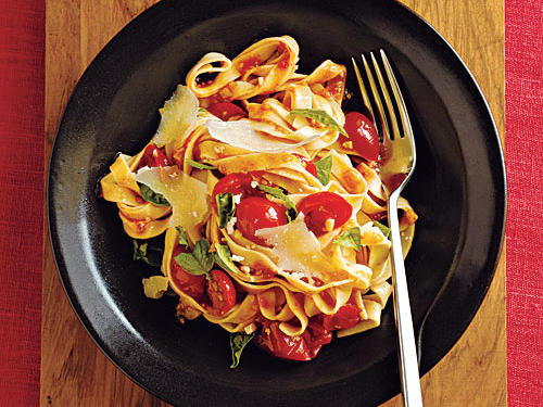 Pasta with Fresh Tomato-Basil Sauce Recipes